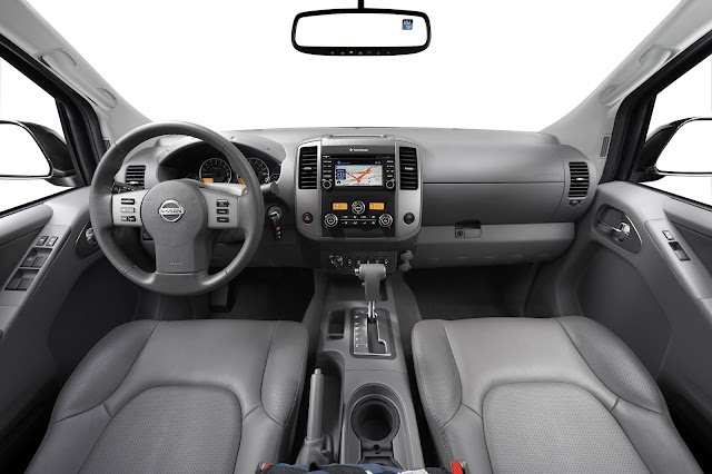 Interior view of the 2016 Nissan Frontier