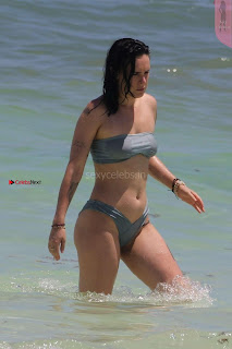 Rumer-Willis-In-Bikini-Seen-at-a-beach-in-Mexico--16+%7E+SexyCelebs.in+Exclusive.jpg