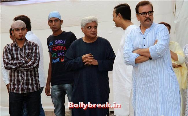 Javed Akhtar, Celebs at Farooq Sheikh Prayer Meet