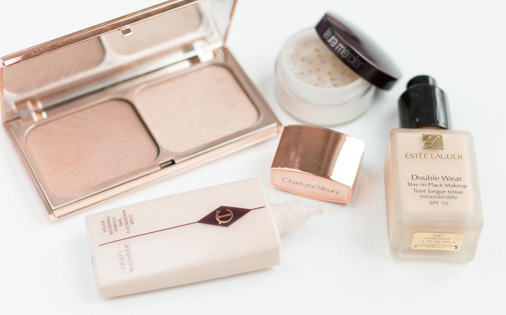 Beautyprodukte für die Rom Reise Foundation und Puder