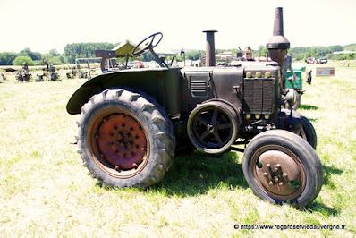 Tracteur agricole ancien Le Percheron