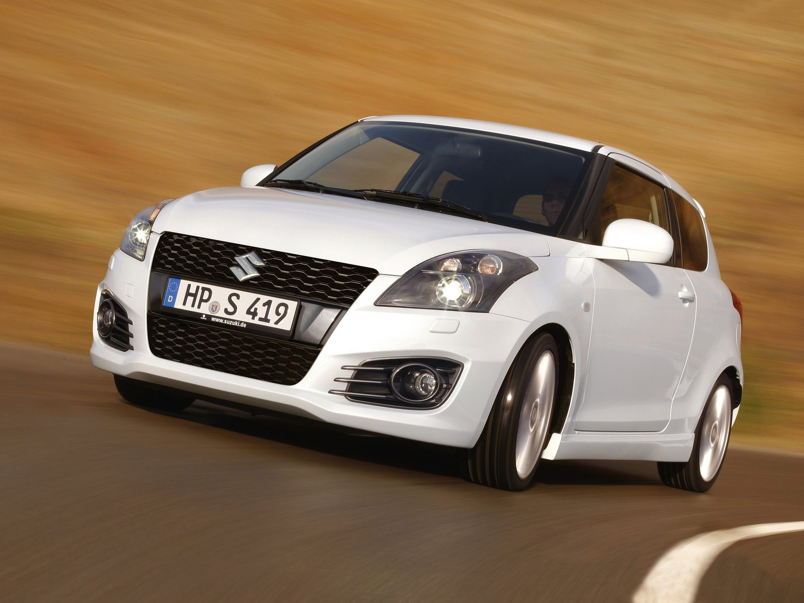 japanese car photos 2012 suzuki swift sport. Black Bedroom Furniture Sets. Home Design Ideas