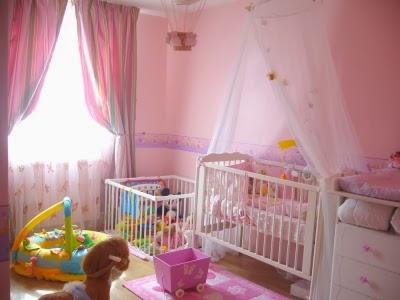 cuarto de bebé color rosa