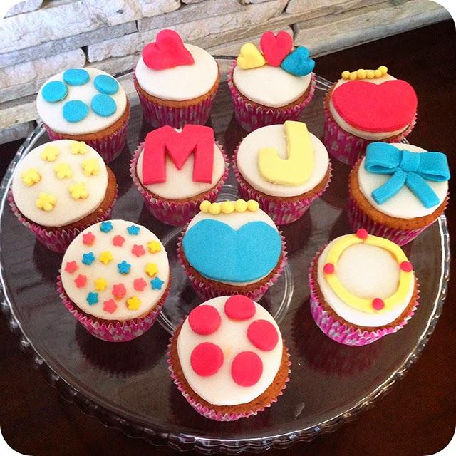 Cupcakes com Pasta Americana