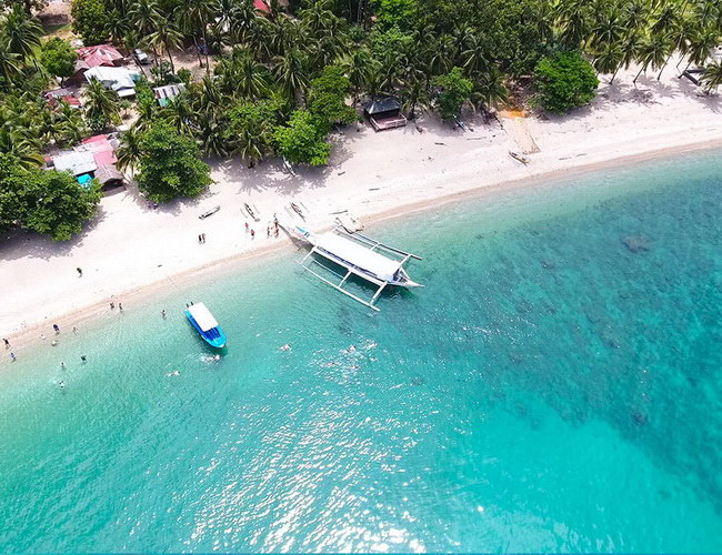 Xvlor Puerto Galera is a row of coastal and coral reefs in folds of capes