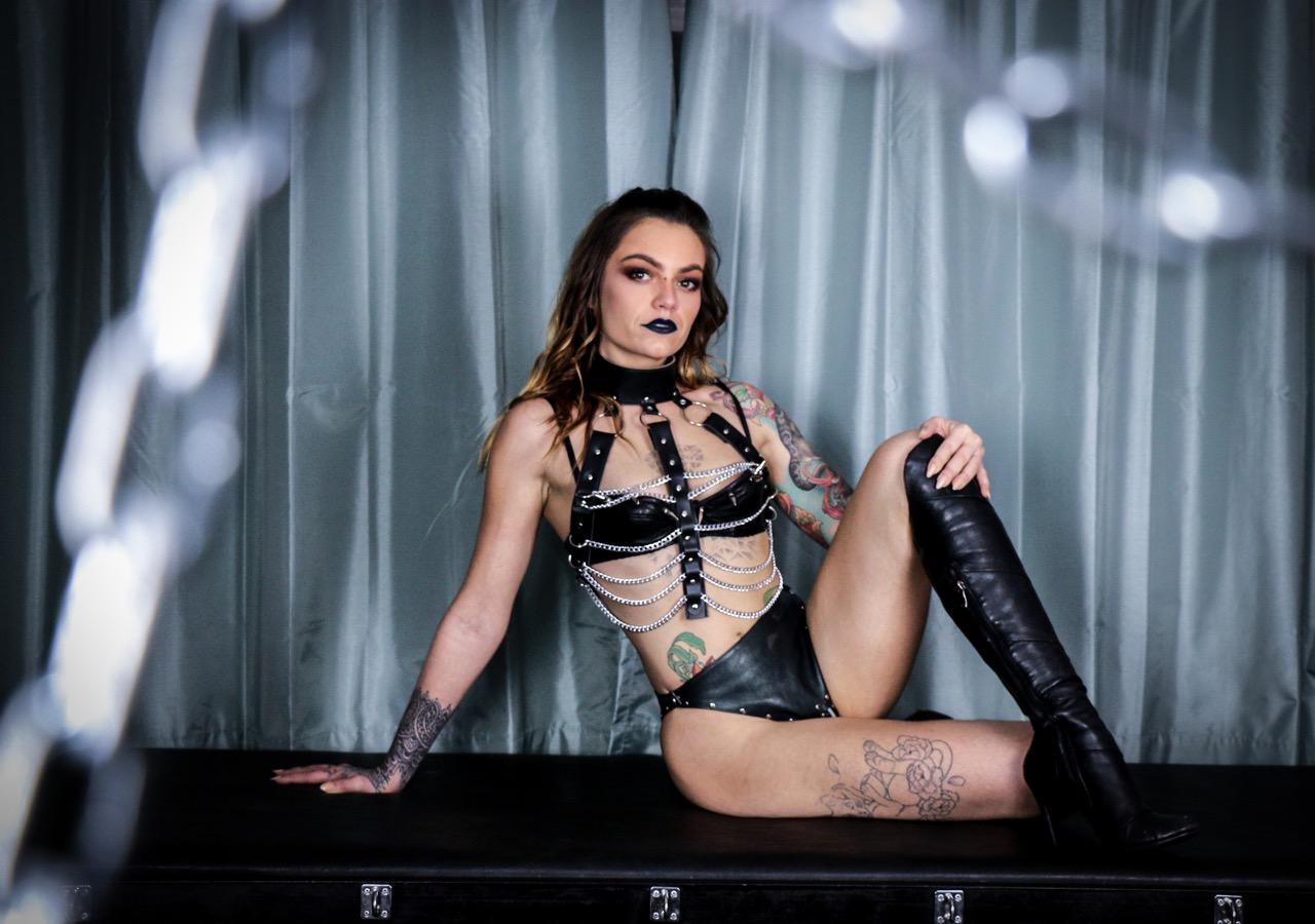 Victoria For Phone Sex  Erotic Cuckold Mistress