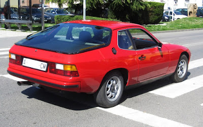 Base Porsche 924 was a simple sports car