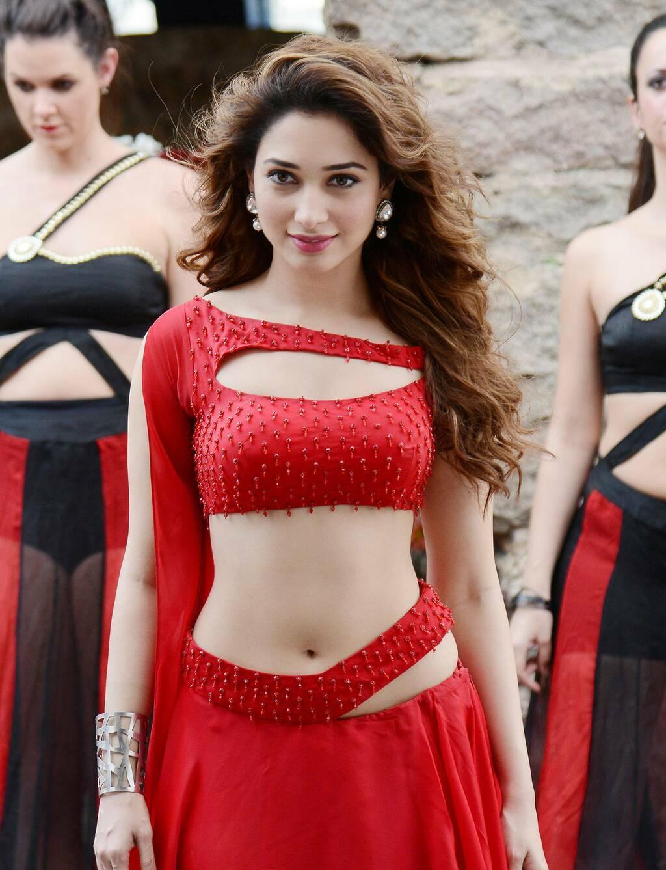Tamanna Films: Entertainment Zone: Tamanna Oopiri/Thoza Movie Stills