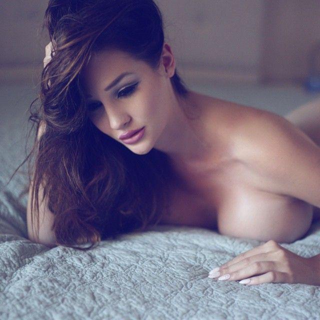 Alina Lewis boobs