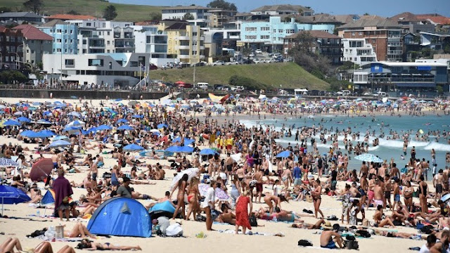 Αυστραλία: Πνίγονται στη θάλασσα για να δροσιστούν από τον καύσωνα