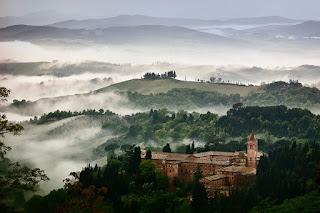 monasterio-al-amanecer