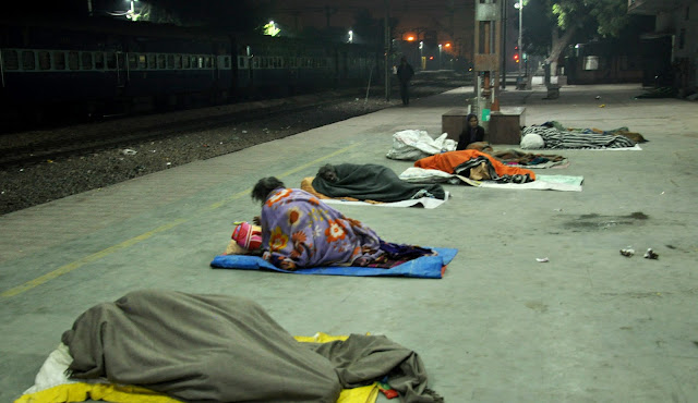 Ranbasar is not in place, destitute people forced to sleep on railway station platform