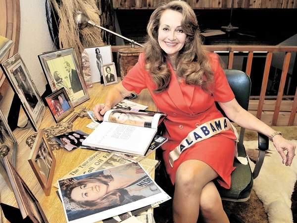 American Express Usa >> Critical Beauty: Sylvia Hitchcock, Miss Universe 1967 ...