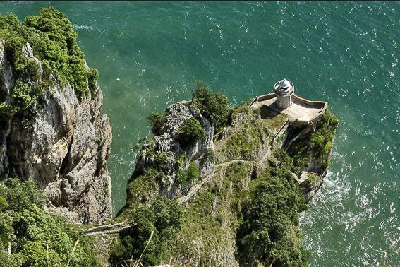 Faro del Caballo en Santoña. Cantabria