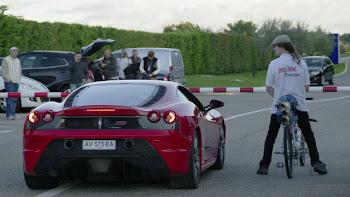 Bisikleti ile 333 KM Hız Yapan Francois Gissy Ferrari'ye Fark Atıyor