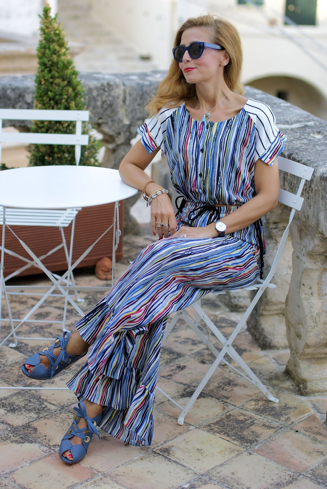 Ruffle palazzo pants and crop top: 70s inspired outfit and Giovanni Fabiani shoes on Fashion and Cookies fashion blog, fashion blogger style