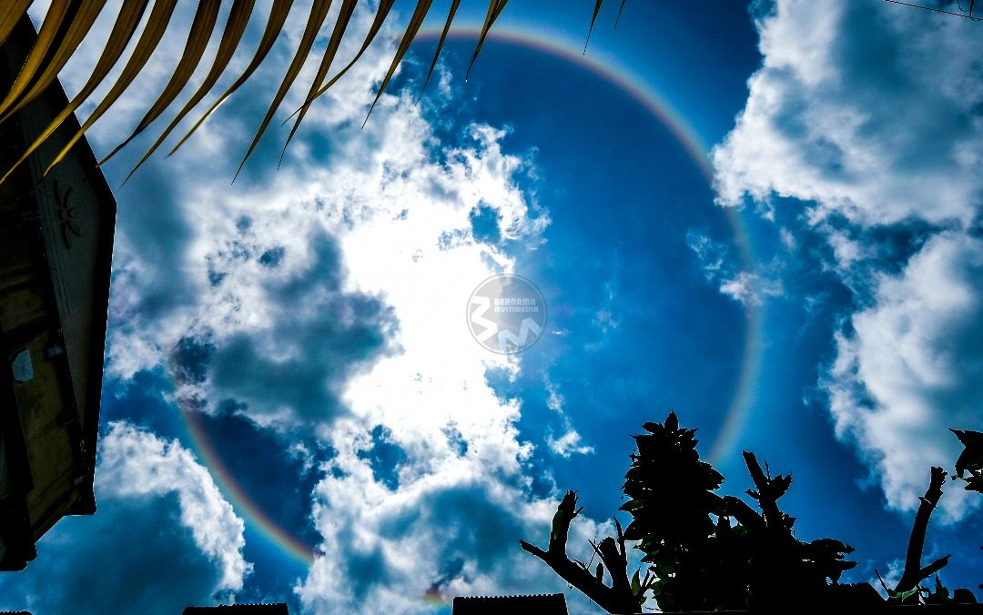 Halo Matahari (Sun Halo) di Sarawak ~ Wordless Wednesday