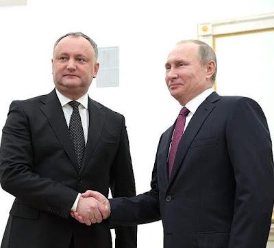 Vladimir Putin with Igor Dodon.