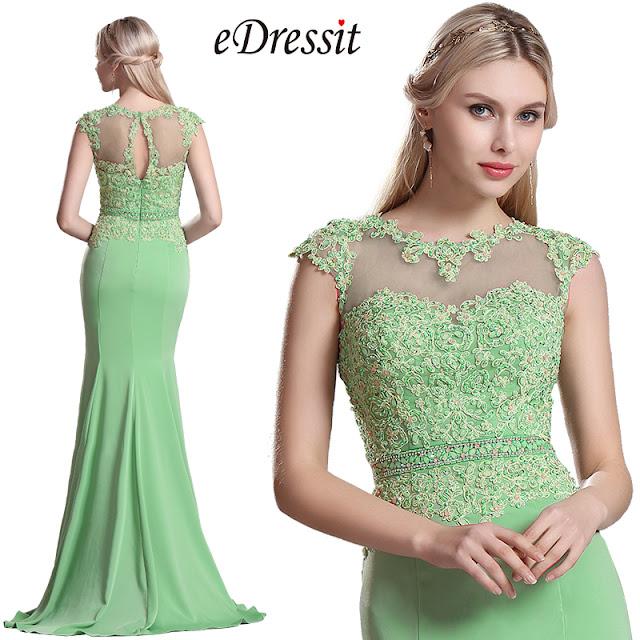 Conçu juste pour le faire, pâle corsage applique rose et le travail de  style v,cou en tandem pour créer une robe