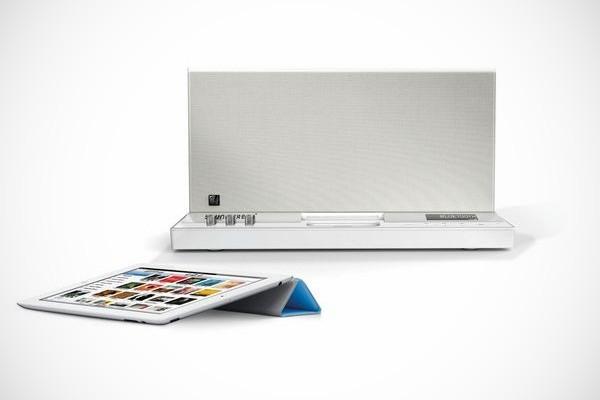 Soundfreaq SFQ-01 iPhone iPod iPad Bluetooth Dock
