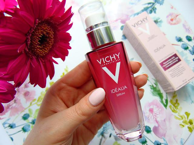 VICHY IDEALIA - Serum rozświetlające