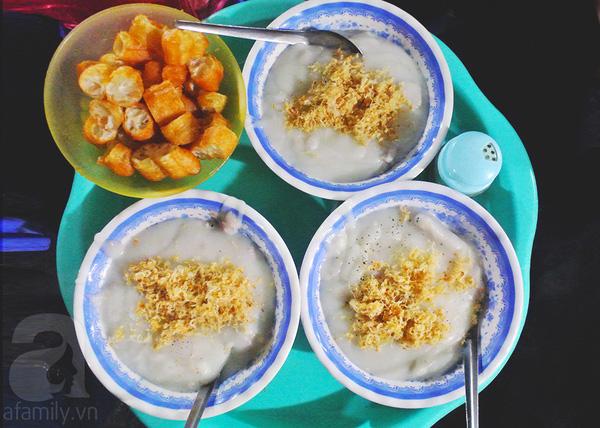Cháo sườn ngõ chợ Đồng Xuân