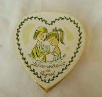 boite-cadeau-bijoux-amoureux-de-peynet