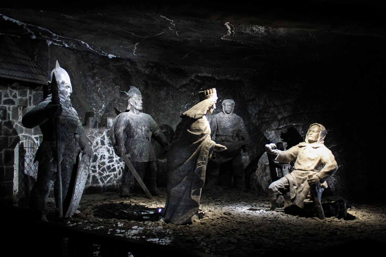 wieliczka salt mine statues