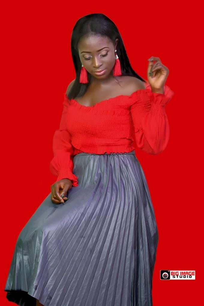 Model 'Blessing K. Dariya' Stuns in New Photoshoot (Photos)