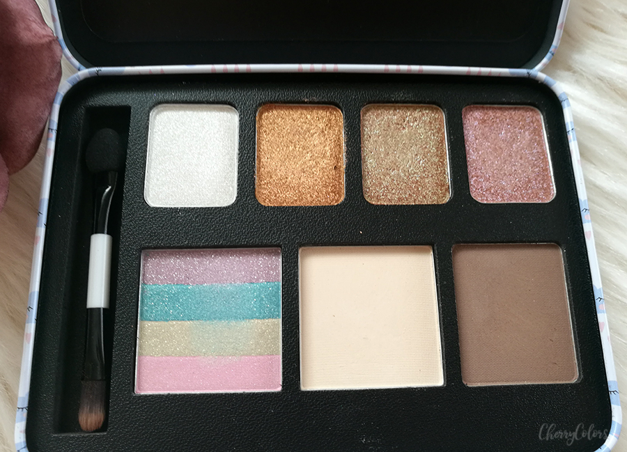 Essence Rain or Shine Palette open