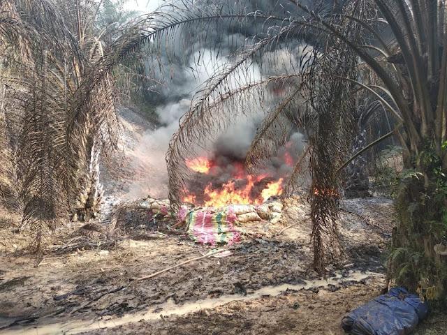 Seorang Pekerja Kritis di Rumah Sakit Akibat Sumur Ilegal Terbakar