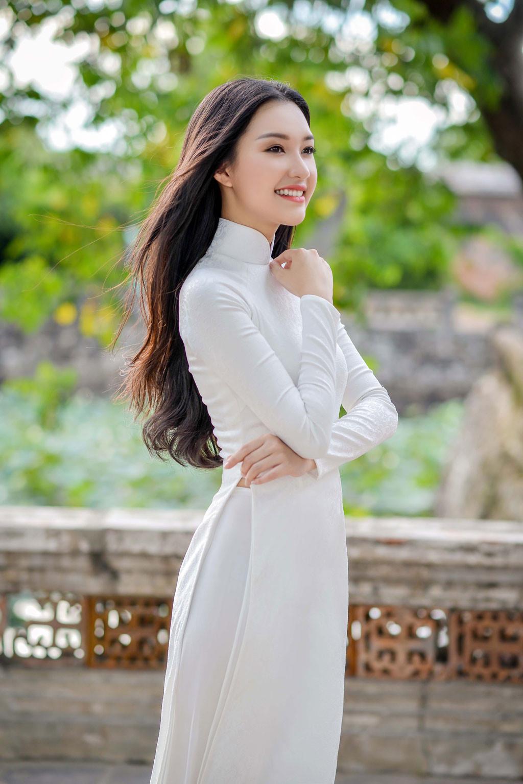 Nét Đẹp Áo Dài Việt Nam | Gái Xinh Dễ Thương CHU THỊ THU HUYỀN