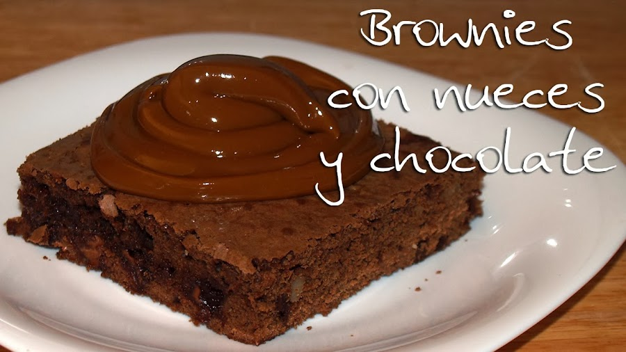 brownies con chocolate y nueces