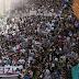 Una marea de 60.000 manifestantes desbordan las calles de Altsasu clamando libertad y justicia
