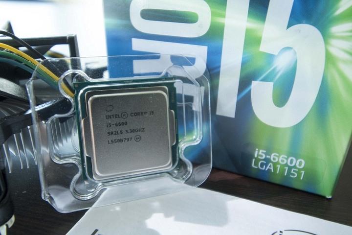 intel hadapi amd dengan menurunkan harka skylake dan kabylake Terancam, Intel Turunkan Harga Proceccor Untuk Hadapi Ryzen!