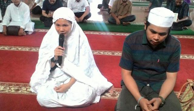 Pertemuan dengan Seorang Lelaki Membawa Jessica Menemukan Cahaya Islam