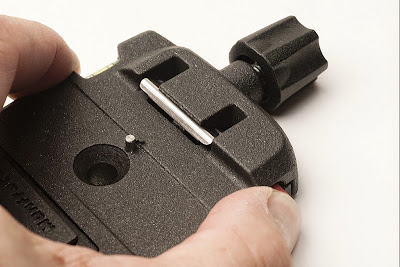 Manfrotto Q6 clamp red button function