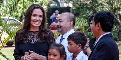 brad-pitt-joined-jolie-kids-on-cambodia-trip