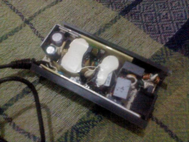Adaptor Laptop Rusak