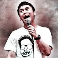 Kumpulan Video Stand Up Comedy Raditya Dika