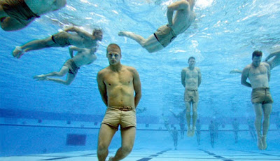 Latihan berat Navy SEAL
