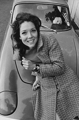 http://kafkasapartment.tumblr.com/post/143987472856/diana-rigg-as-emma-peel-the-avengers-1960s