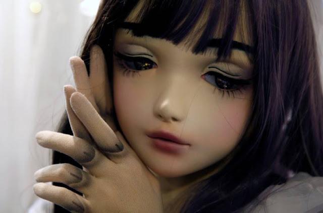 Bonecas humanas da Deep Web - Lolita Slave Toys