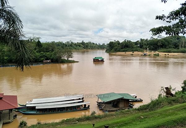 Boat Jetty Kuala Tembeling