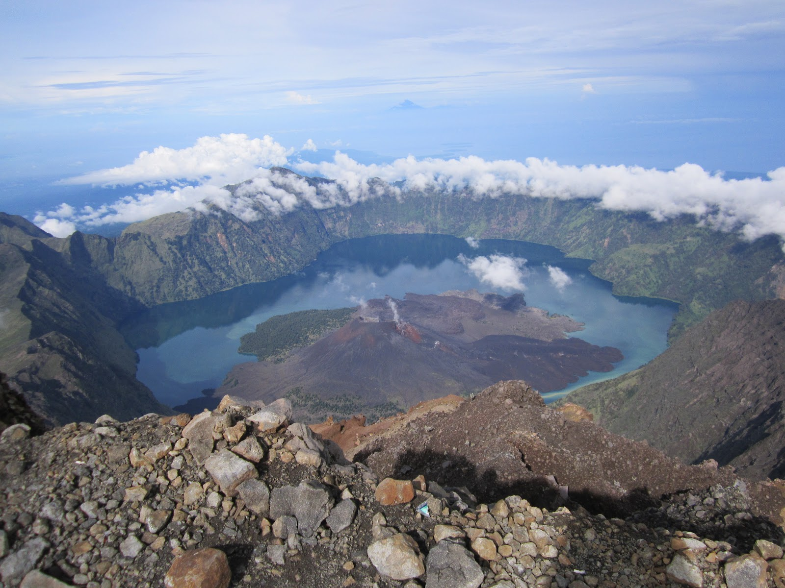 beautiful mount rinjani in indonesia