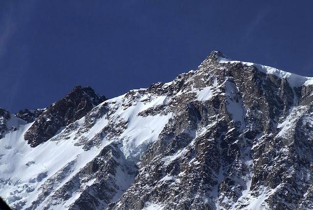 ينتمي جبل بونت نورديند إلى سلسلة الجبل الوردي و تعد قمته من أصعل القمم الجبلية