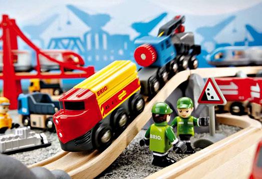 汽車好きな子供へのプレゼント:BRIOの木製列車2