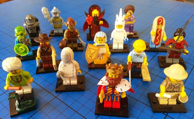 Complete set LEGO Minifigures series 13 Jan 2015
