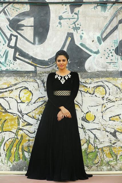 Anchor Sreemukhi black dress New Photos