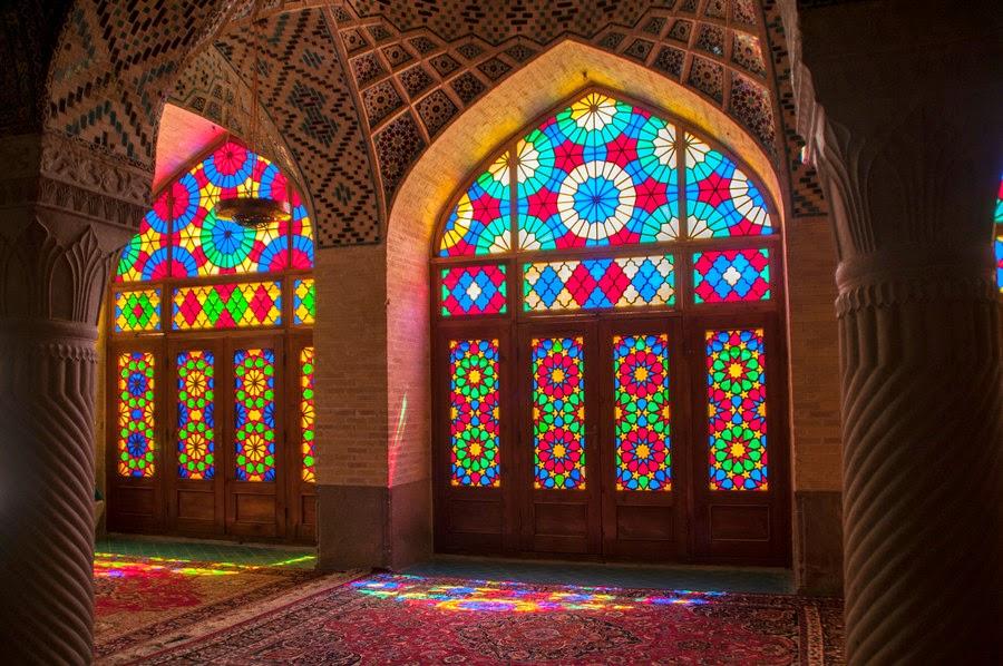 Gulabi Masjid